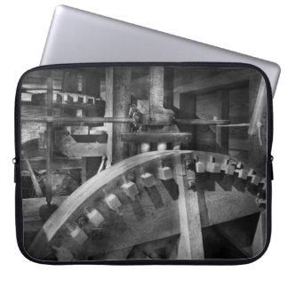Steampunk - Runs like clockwork Computer Sleeve