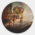 Steampunk - tecnología del engranaje pegatina redonda