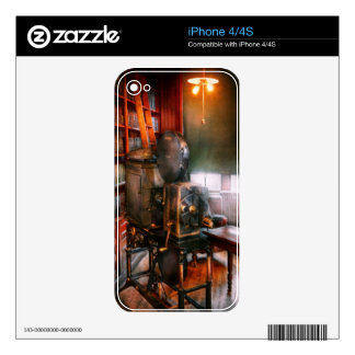 Steampunk - The Golden age of Cinema Decal For The iPhone 4S