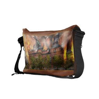 Steampunk - The war has begun Courier Bags