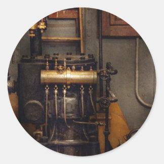 Steampunk - trasero en la sala de máquinas etiquetas redondas