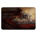 Steampunk - una máquina de escribir vieja crujient imán