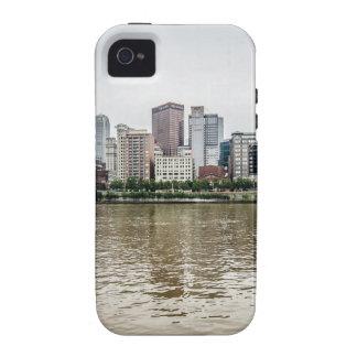steel city skyline iPhone 4/4S case