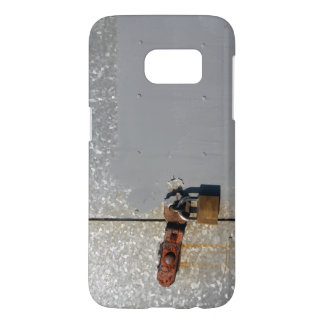 Steel doors locked with a rusty padlock samsung galaxy s7 case