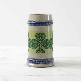 stein céltico del trébol jarra de cerveza