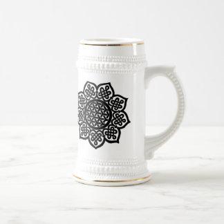 Stein céltico negro del nudo taza