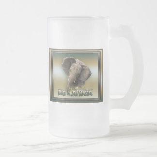 Stein helado de la cerveza del elefante africano taza de cristal