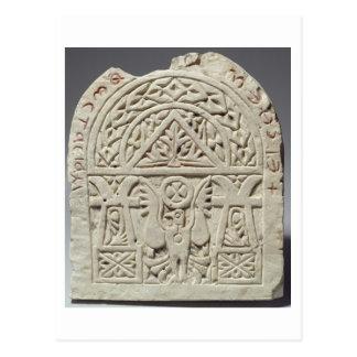 Stela funerario con una paloma o un águila 8vo-9n postales