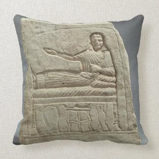 Stela funerario en nombre de la señora Artemis fr Almohada