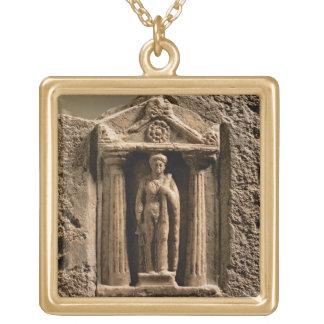 Stele votivo del mármol y de la piedra arenisca co pendientes