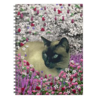 Stella en flores I - gato siamés poner crema del c Cuadernos