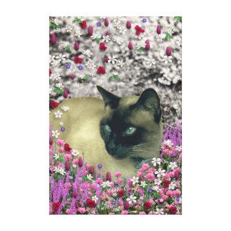 Stella en flores I - gato siamés poner crema del c Impresión De Lienzo