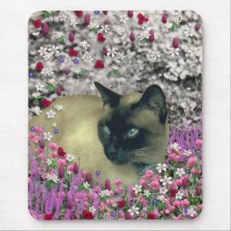 Stella en flores I - gato siamés poner crema del c Tapete De Ratones