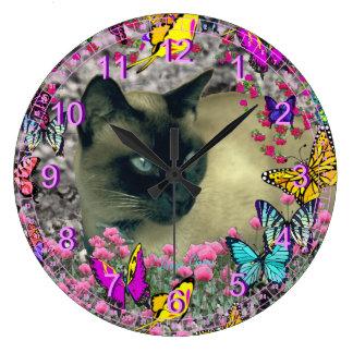 Stella en mariposas - gato siamés del chocolate reloj redondo grande