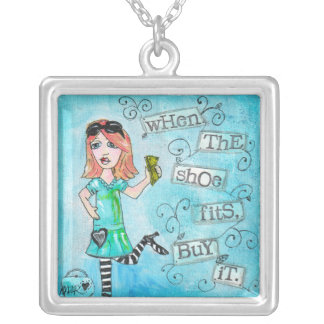 Stella va a hacer compras collares personalizados