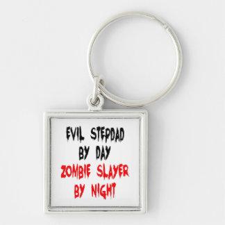 Stepdad del mal del asesino del zombi llavero cuadrado plateado