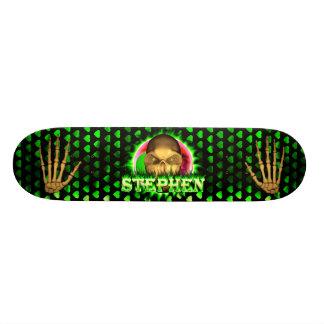 Stephen skull green fire Skatersollie skateboard.