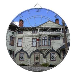Stetson Mansion 2 Dartboard With Darts