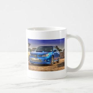 "STi ""Hawkeye"" de Subaru Impreza en azul Taza Clásica"