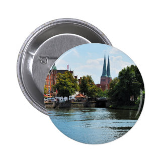Stick button on Luebeck to the Untertrave