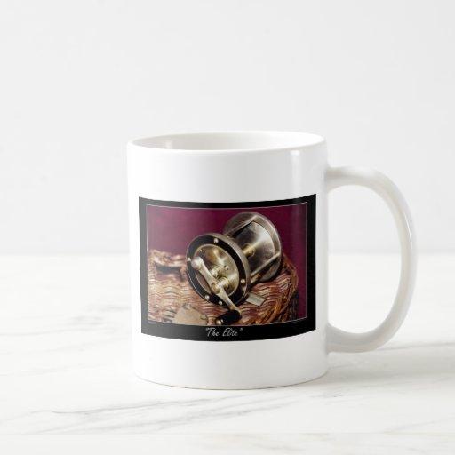 Stil-vida de la pesca tazas de café