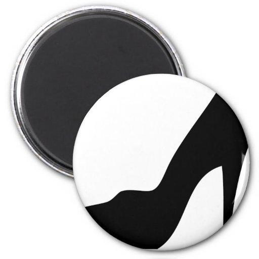 stiletto high heeled shoe icon 2 inch round magnet