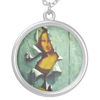 stolen mona lisa necklace