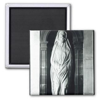 Stone sculpture of John Donne in his shroud Magnet