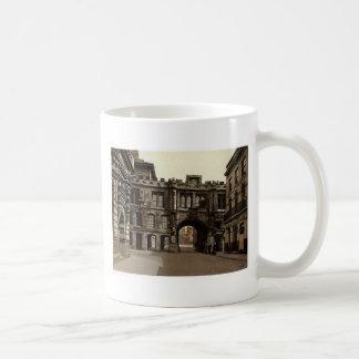 Stonebows, Lincoln Coffee Mug