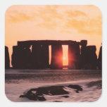 Stonehenge, solsticio de invierno calcomania cuadrada personalizada