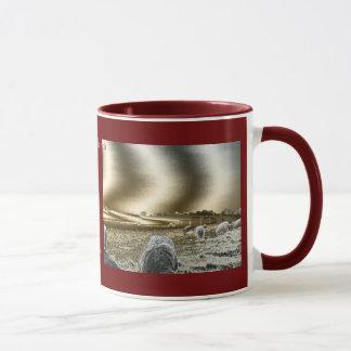 Stonehenge Sun agita la taza de café del campanero