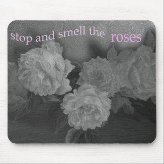 stop& huela los rosas mouse pad