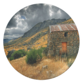 Storm Shelter Valley Plates