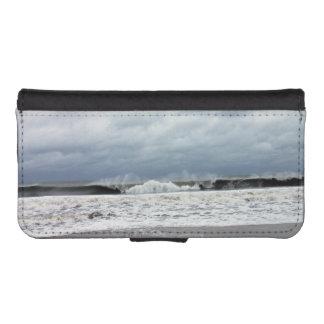 Stormy Seas of the Atlantic Ocean iPhone SE/5/5s Wallet