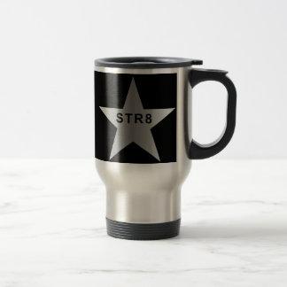 STR8 en la estrella de plata (derecho en negro). Taza