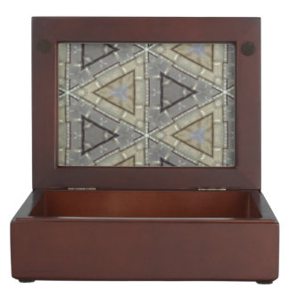Strange modern triangle pattern memory box