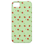 Strawberries Pattern with Green Background iPhone SE/5/5s Case