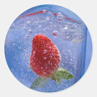 Strawberry drop classic round sticker