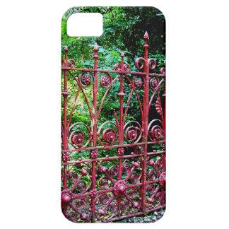 Strawberry Field Gates, Liverpool UK iPhone SE/5/5s Case