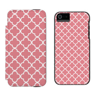Strawberry Ice White Quatrefoil Moroccan Pattern Incipio Watson™ iPhone 5 Wallet Case