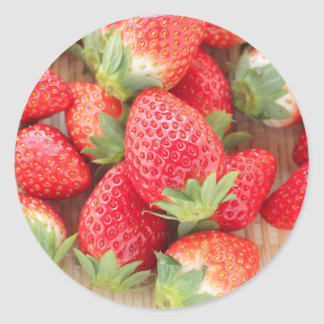 Strawberry in basket-postcard for the agricultural classic round sticker