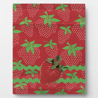 Strawberry on Green Ric Rac, Strawberries Plaque