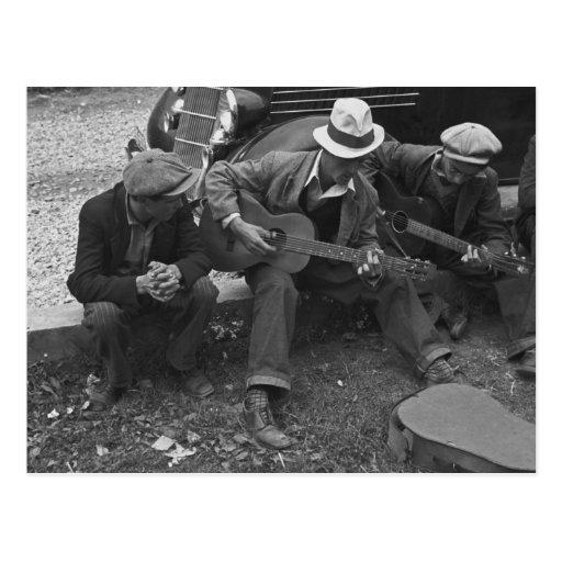 Street musicians, Maynardville, Tennessee, 1935 Post Card