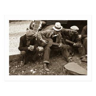 Street musicians, Maynardville, Tennessee, 1935 Postcard