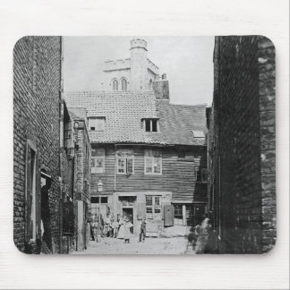 Street scene in Victorian London Mouse Pad