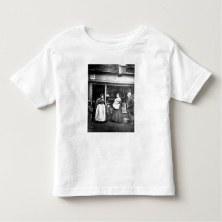 Street scene in Victorian London Toddler T-shirt