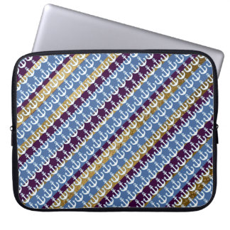 stripes and anchors pattern laptop sleeve