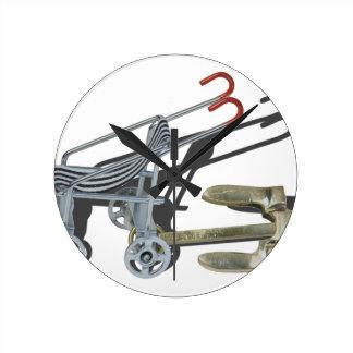StrollerWithAnchor101115 Round Clock