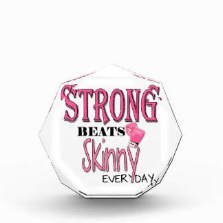 STRONG BEATS Skinny everyday! With Pink Boxing Glo Award