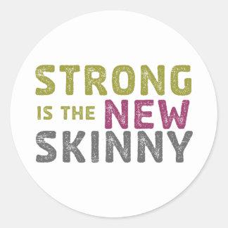 Stronge es el nuevo flaco - bosquejo pegatina redonda